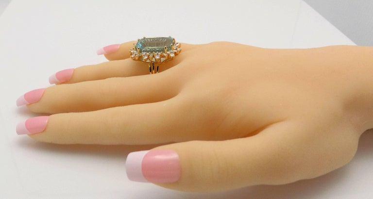 Aquamarine and Diamond Ring For Sale 1