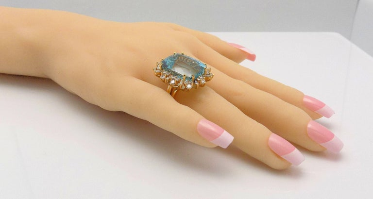 Aquamarine and Diamond Ring For Sale 2