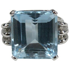 Aquamarine 14 Karat White Gold Ring 13.75 Carat Emerald Cut GIA Certified, 1940s