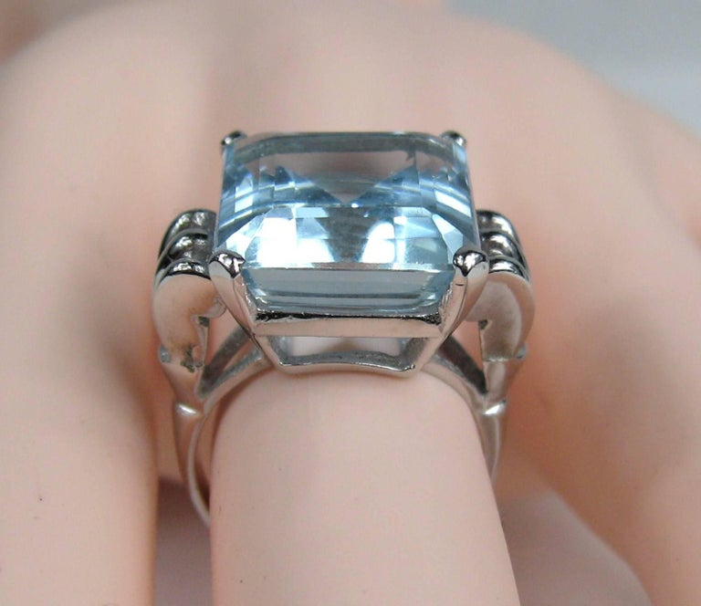 Aquamarine 14 Karat White Gold Ring 13.75 Carat Emerald Cut GIA Certified, 1940s In Good Condition For Sale In Wallkill, NY