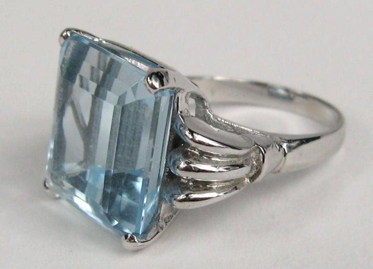 Aquamarine 14 Karat White Gold Ring 13.75 Carat Emerald Cut GIA Certified, 1940s For Sale 1