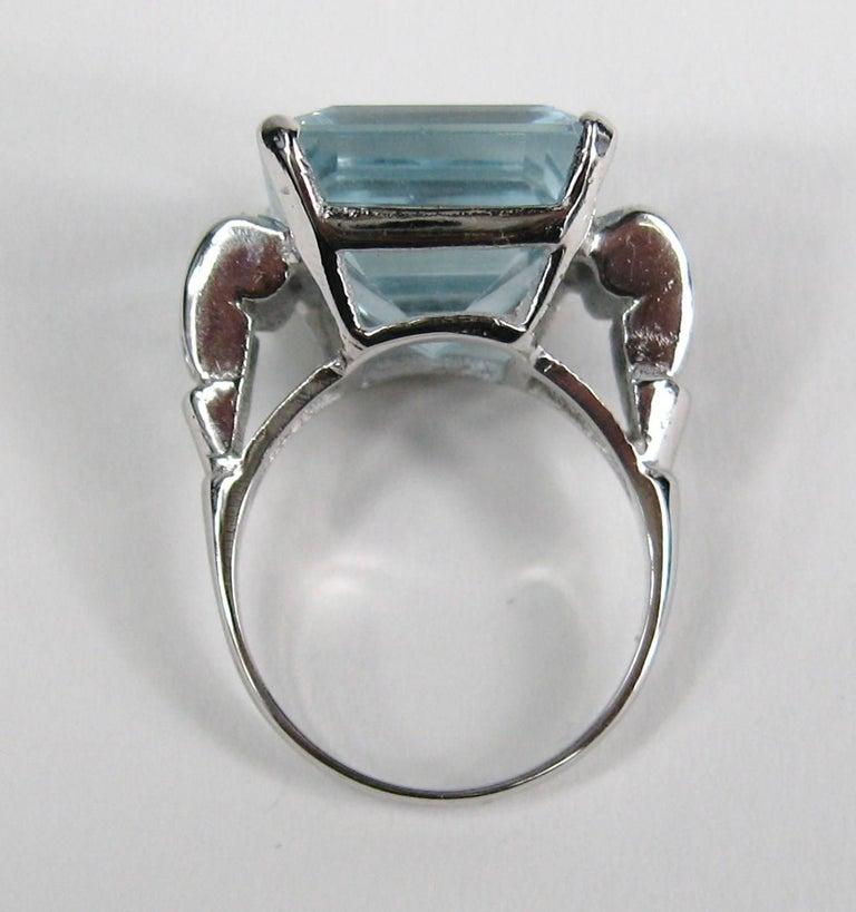 Aquamarine 14 Karat White Gold Ring 13.75 Carat Emerald Cut GIA Certified, 1940s For Sale 2
