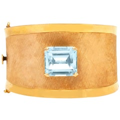 Aquamarine 18 Karat Yellow Gold Cuff Bracelet