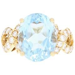 Aquamarine and Diamond Cocktail Ring, 18 Karat Gold Oval Brilliant 7.23 Carat
