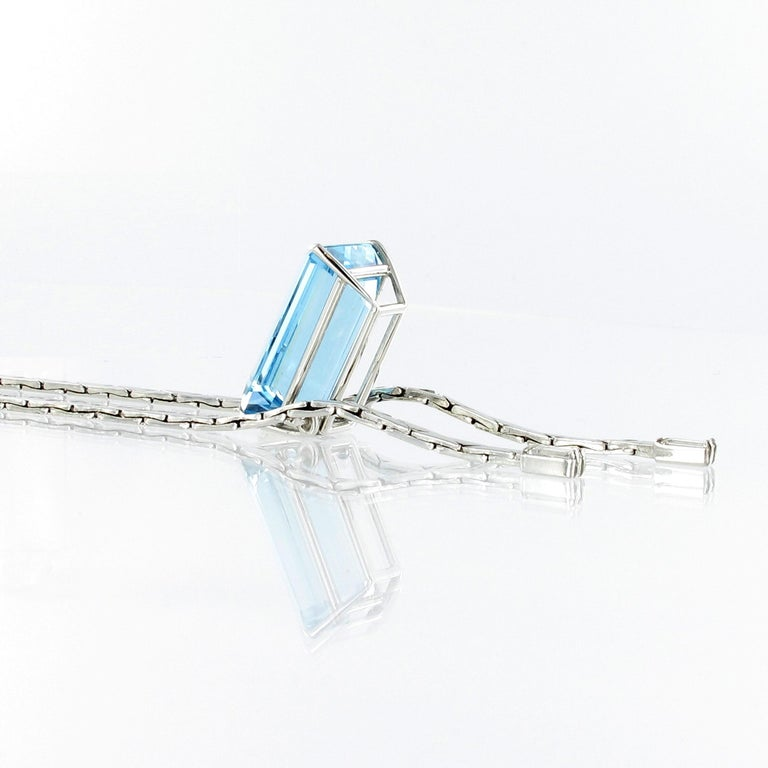 Aquamarine and Diamond Necklace in 18 Karat White Gold For Sale 1