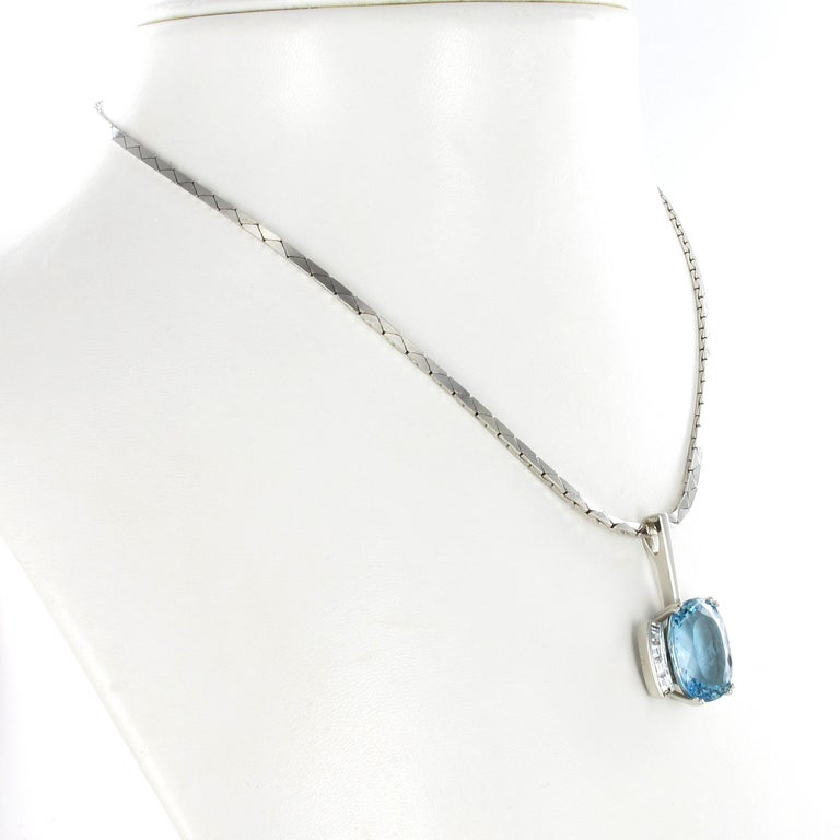 Contemporary Aquamarine and Diamond Necklace in Platinum 950 and 18 Karat White Gold For Sale