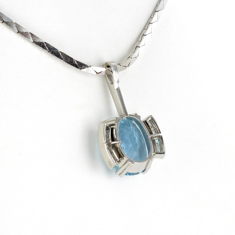 Aquamarine and Diamond Necklace in Platinum 950 and 18 Karat White Gold In Good Condition For Sale In Lucerne, CH