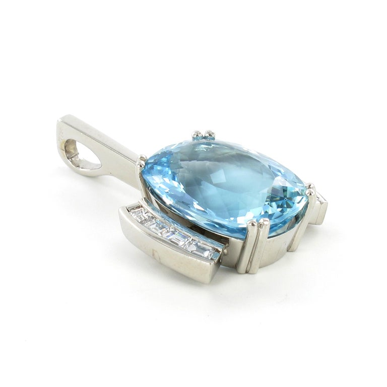 Aquamarine and Diamond Necklace in Platinum 950 and 18 Karat White Gold For Sale 2