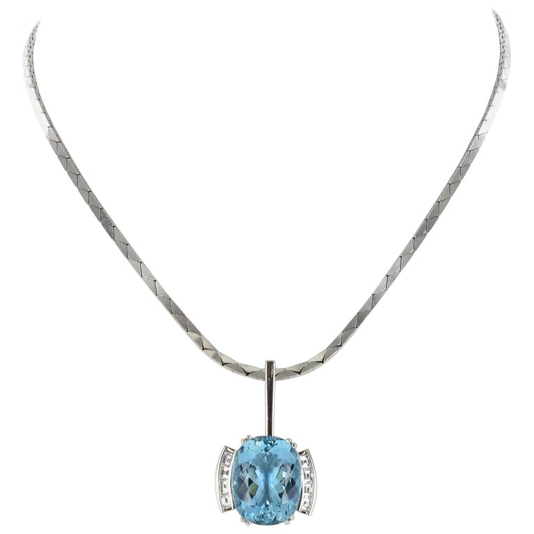 Aquamarine and Diamond Necklace in Platinum 950 and 18 Karat White Gold For Sale