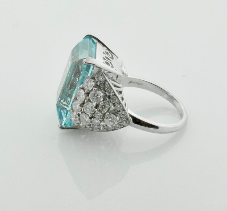 Women's or Men's Aquamarine and Diamond Platinum Ring 20.00 Carat For Sale