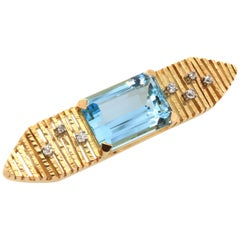 Aquamarine and Diamond Retro Yellow Gold Brooch, 1950s