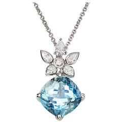 Aquamarine and White Diamond 18 Karat Gold Pendant Necklace