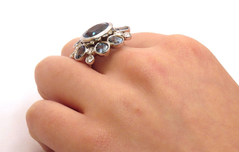 Aquamarine Sapphires Diamonds 18 Karat White Gold Cocktail Floral Ring  In New Condition For Sale In Milano, IT