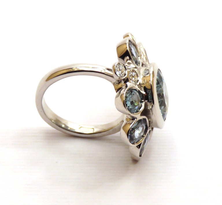 Aquamarine Sapphires Diamonds 18 Karat White Gold Cocktail Floral Ring  For Sale 1