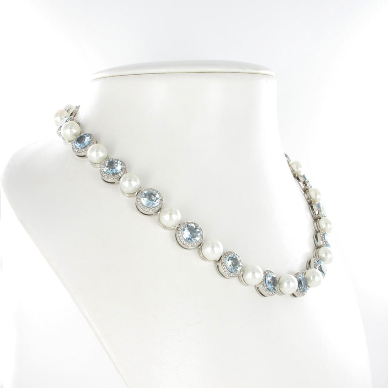 Contemporary Aquamarine, Cultured Pearls and Diamond Necklace in Gold For Sale