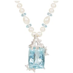 Aquamarine Diamond 18 Carat White Gold Pendant Necklace