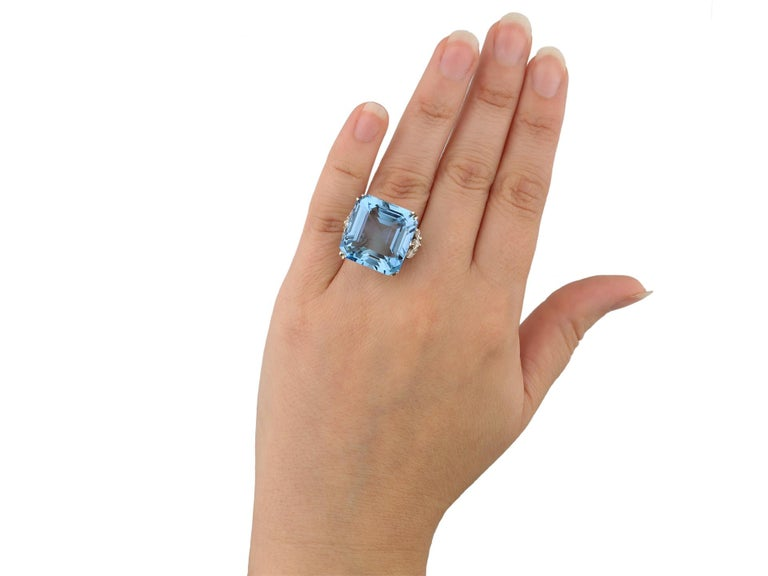 Women's or Men's Aquamarine and Diamond Cocktail Ring, circa 1970 For Sale