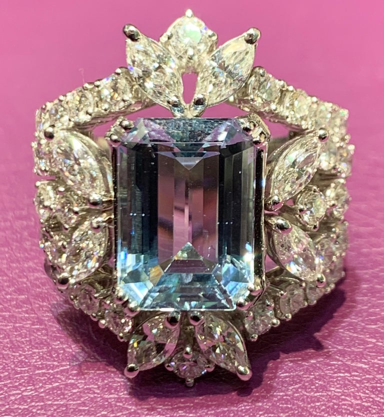 Aquamarine and Diamond Cocktail Ring In Excellent Condition For Sale In New York, NY