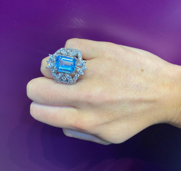 Aquamarine and Diamond Cocktail Ring For Sale 2