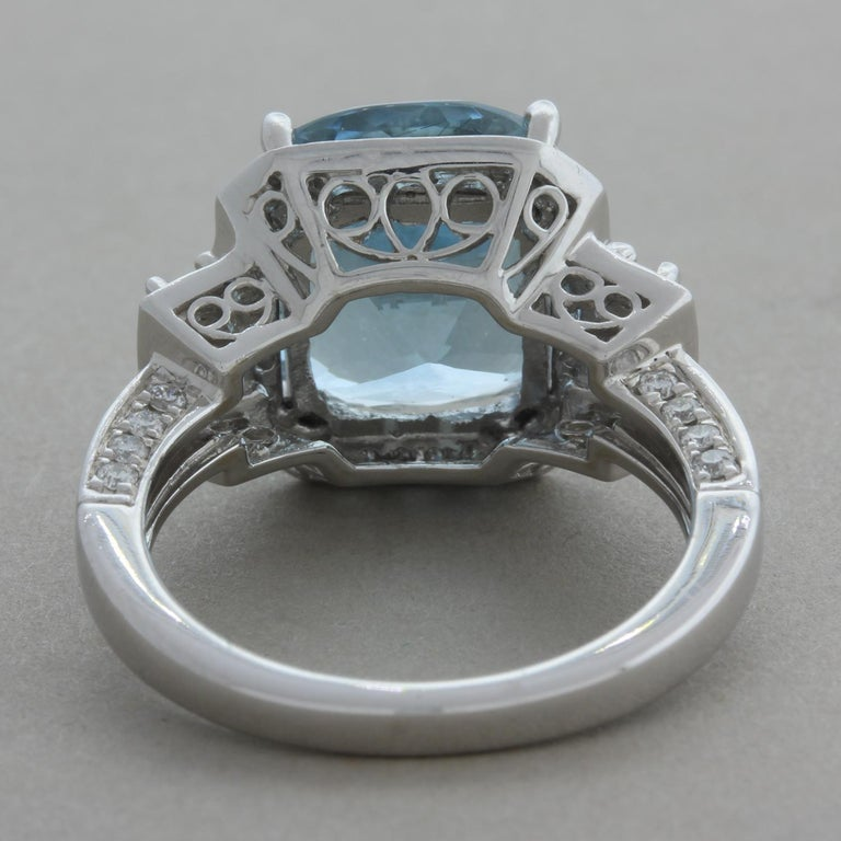 Aquamarine Diamond Gold Cocktail Ring In New Condition For Sale In Beverly Hills, CA