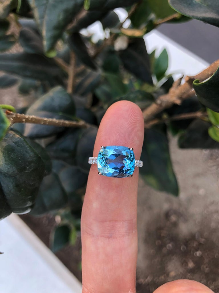 Aquamarine Ring Cushion Cut 5.11 Carats For Sale 4