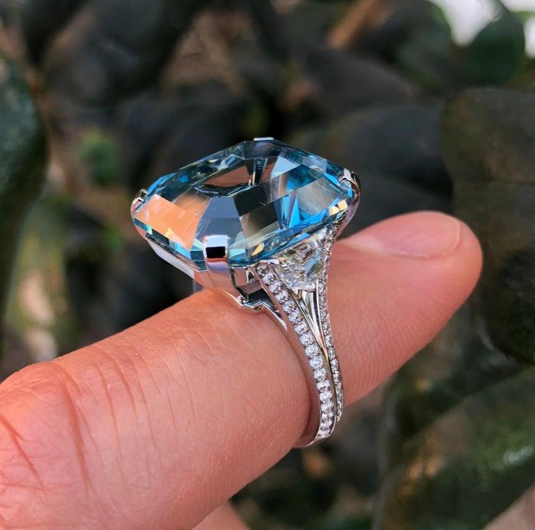 Aquamarine Emerald Cut Diamond Platinum Blue Ring 20.37 Carat For Sale 2