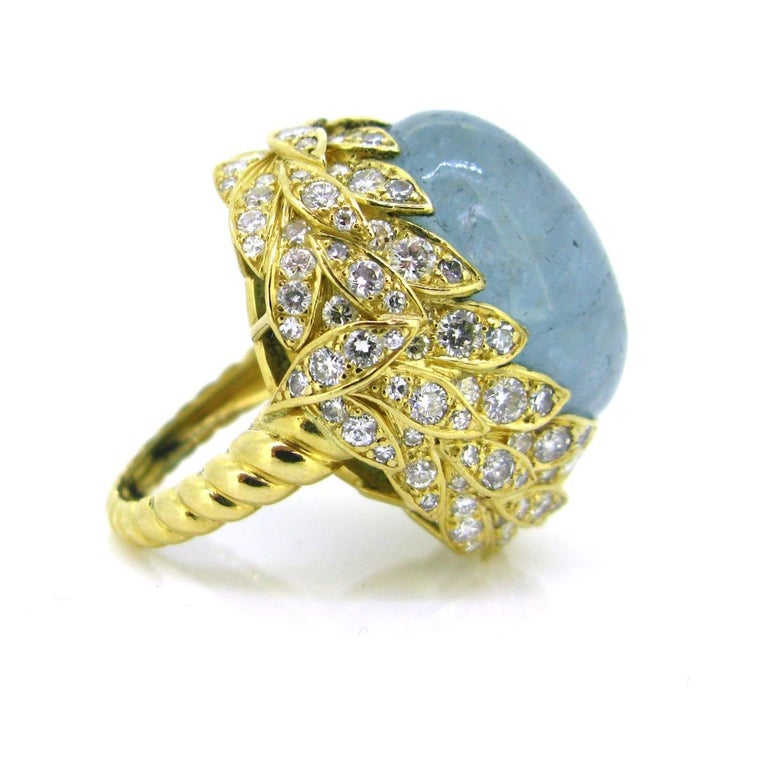 Contemporary Aquamarine Diamond Ribbed Textured Yellow Gold Cocktail Fashion Ring For Sale
