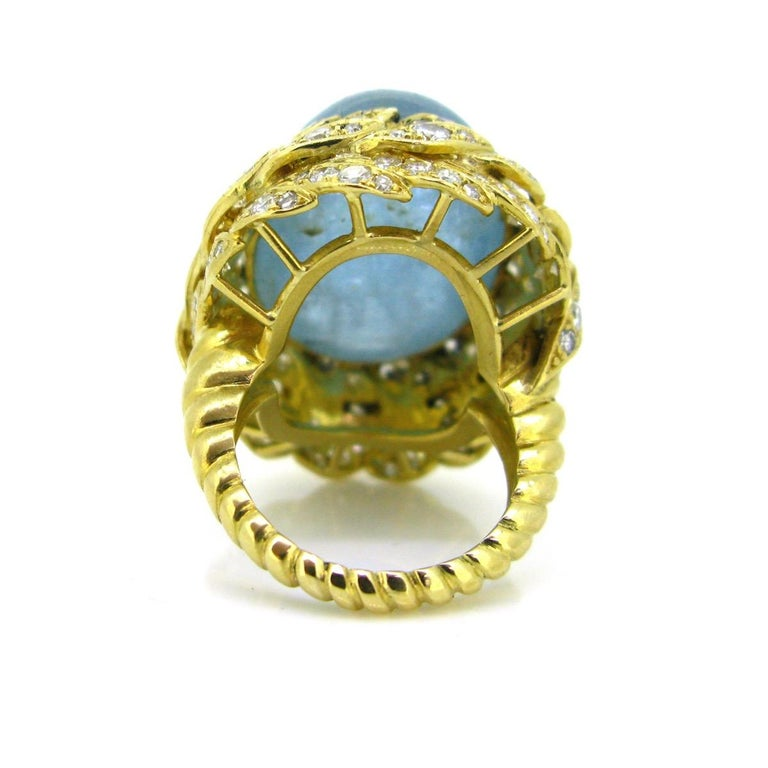 Aquamarine Diamond Ribbed Textured Yellow Gold Cocktail Fashion Ring In New Condition For Sale In London, GB