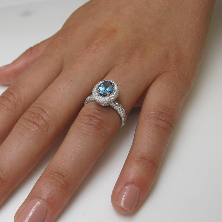 Aquamarine and Diamond Ring In New Condition For Sale In Los Angeles, CA