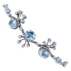 Aquamarine, Diamonds, 18 Karat White Gold Modern Bracelet