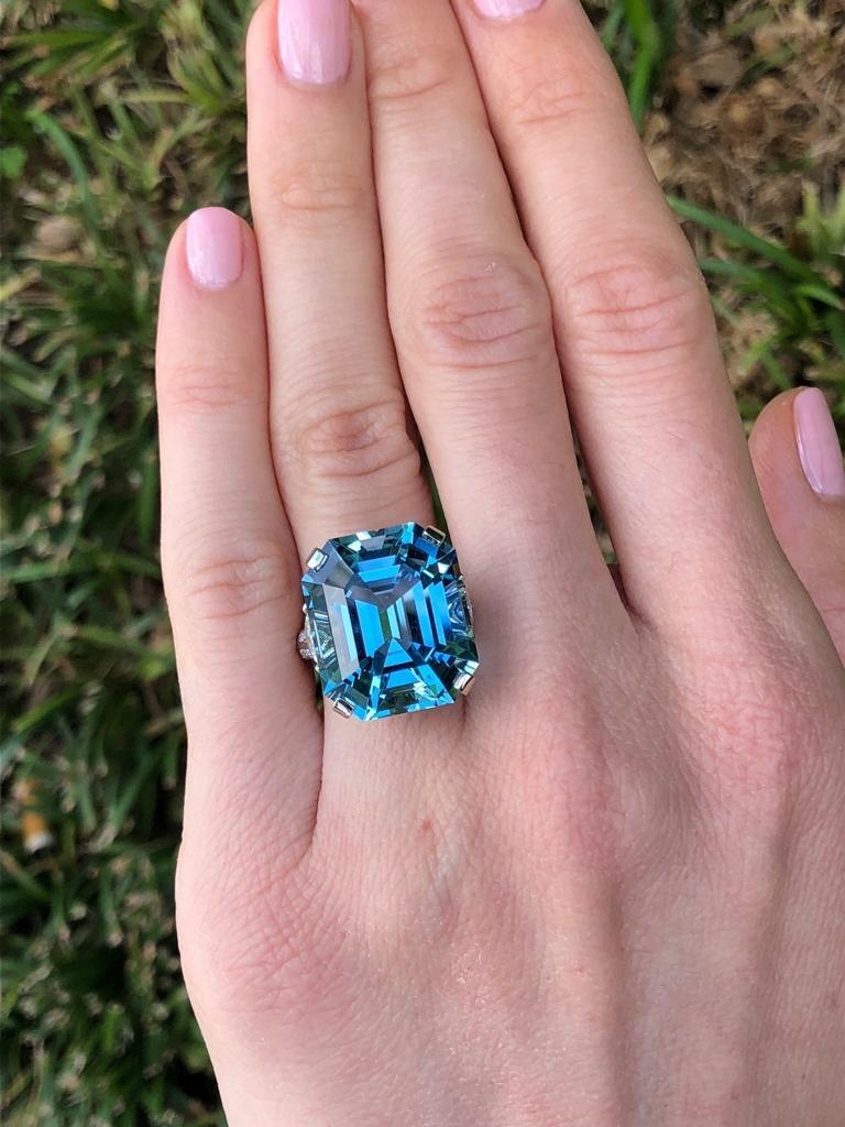 Aquamarine Emerald Cut Diamond Platinum Blue Ring 20.37 Carat For Sale 1