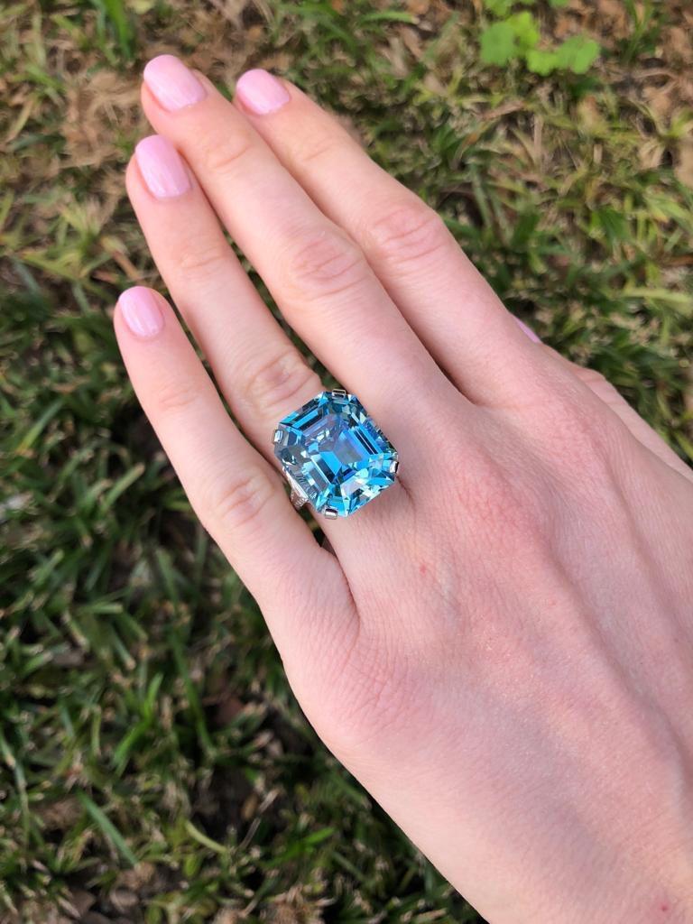 Aquamarine Emerald Cut Diamond Platinum Blue Ring 20.37 Carat For Sale 4