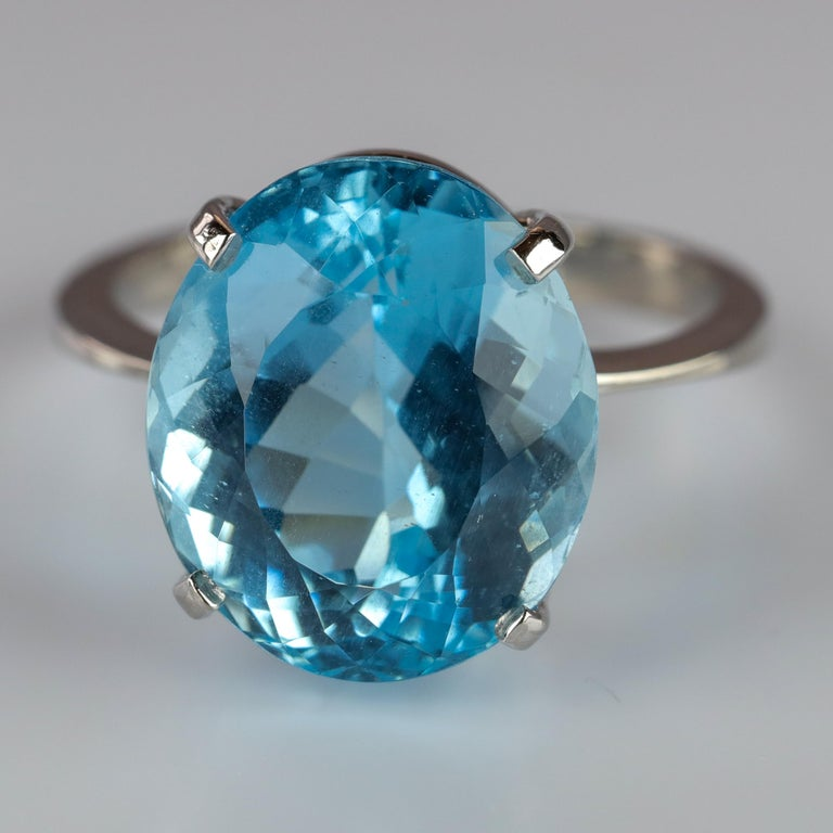 Aquamarine Ring in White Gold For Sale 5