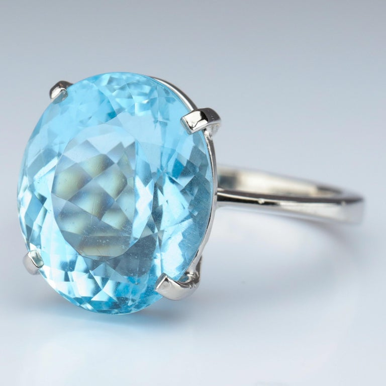 Oval Cut Aquamarine Ring in White Gold For Sale