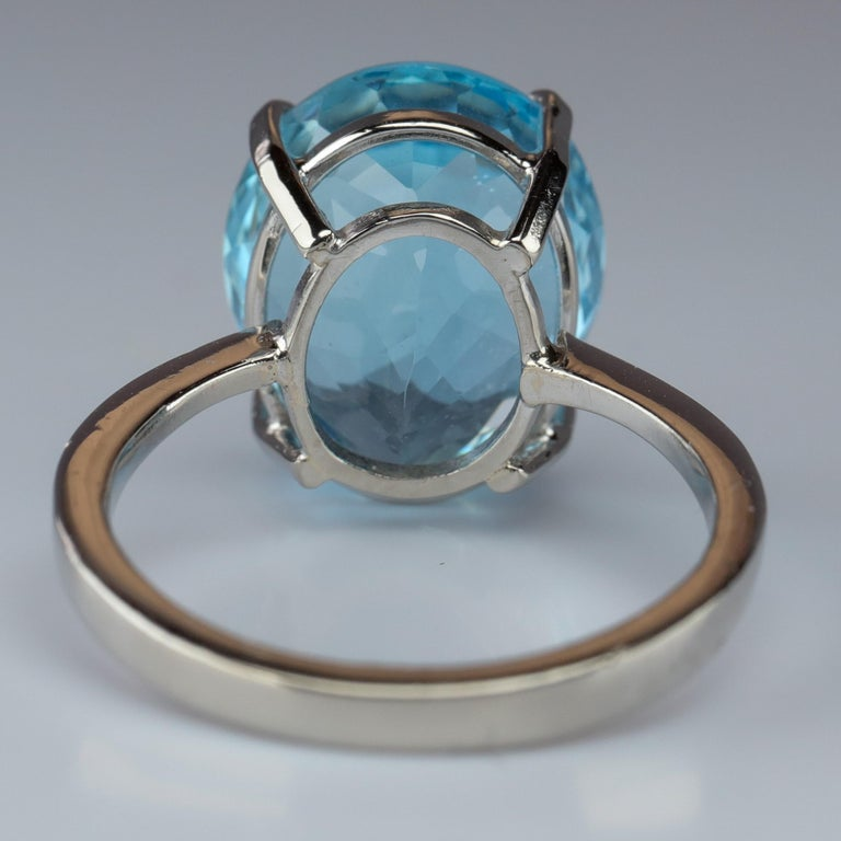 Women's Aquamarine Ring in White Gold For Sale