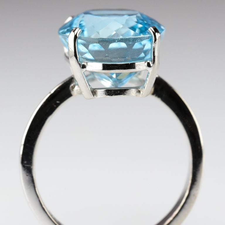 Aquamarine Ring in White Gold For Sale 1