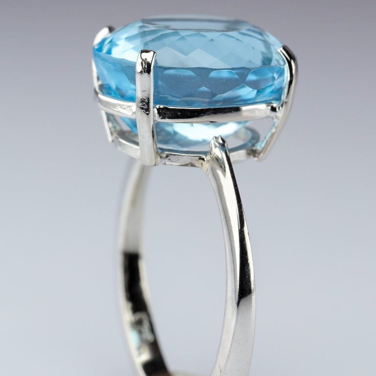 Aquamarine Ring in White Gold For Sale 2