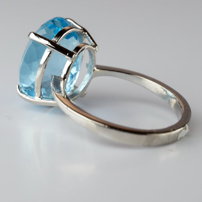 Aquamarine Ring in White Gold For Sale 3