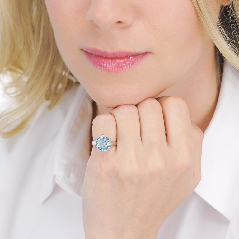 Women's or Men's Aquamarine Set White Gold Ring For Sale