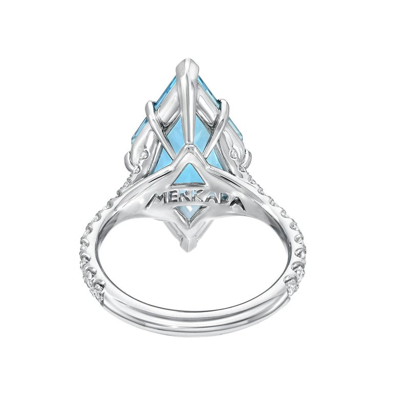 Women's or Men's Aquamarine Shield Ring 4.74 Carat For Sale