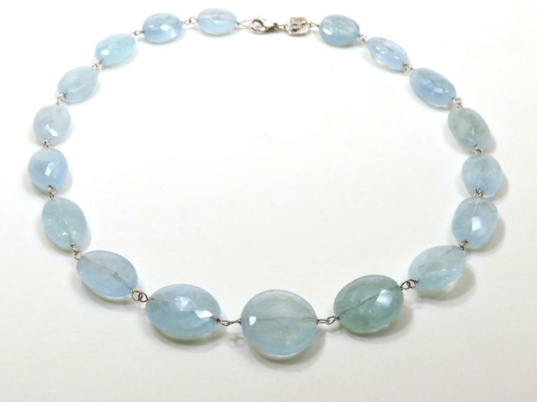 Contemporary Aquamarine White Gold Necklace Handcrafted in Italy by Botta Gioielli For Sale