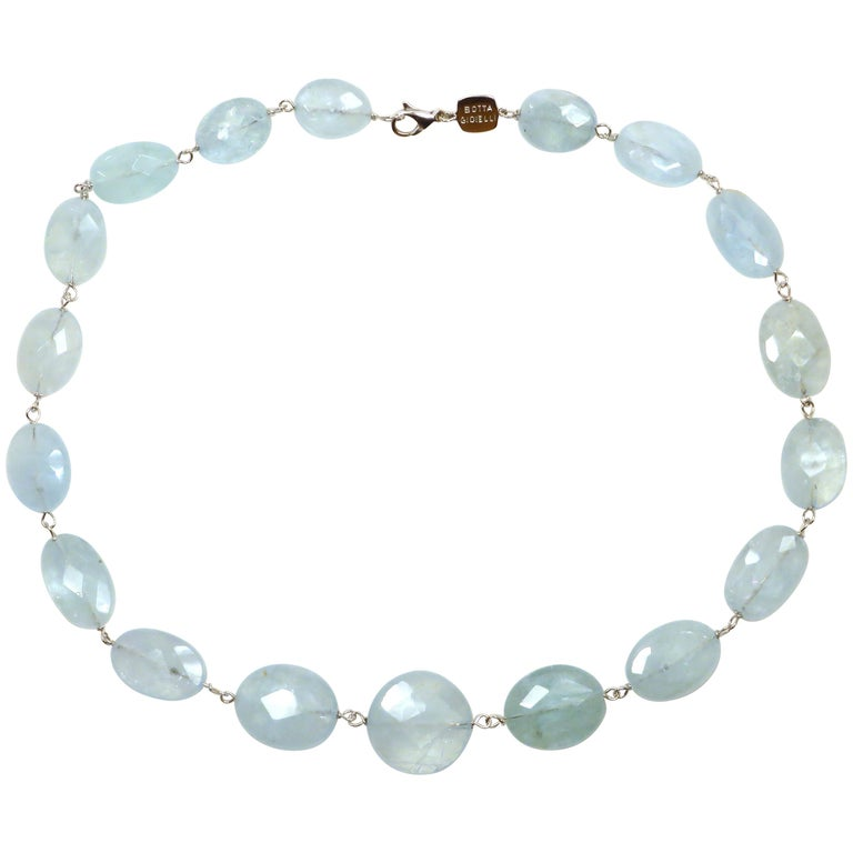 Aquamarine White Gold Necklace Handcrafted in Italy by Botta Gioielli For Sale