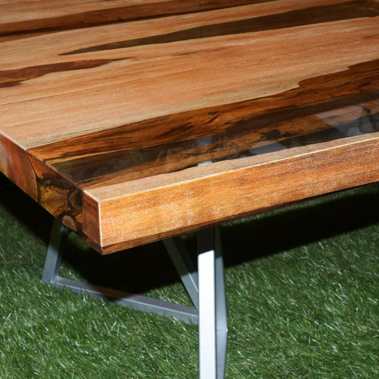Contemporary Aquariquara and Resin Coffee Table For Sale
