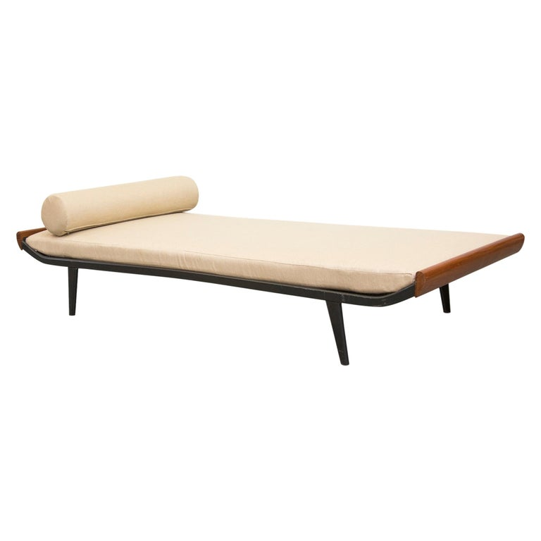 """A.R. Cordemeijer """"Cleopatra"""" Day Bed for Auping"""
