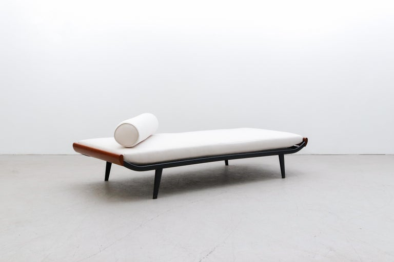 Mid-20th Century A.R. Cordemeyer 'Cleopatra' Daybed for Auping For Sale