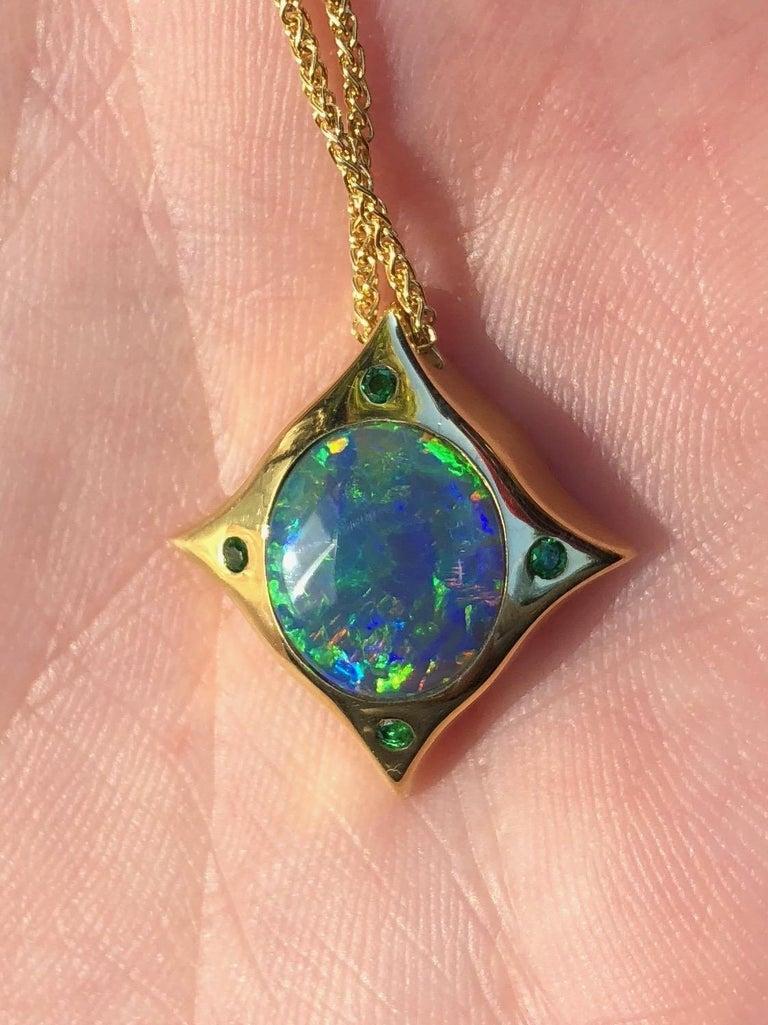 Round Cut Arabesque 18 Karat Gold Solid Australian Opal Pendant Necklace For Sale