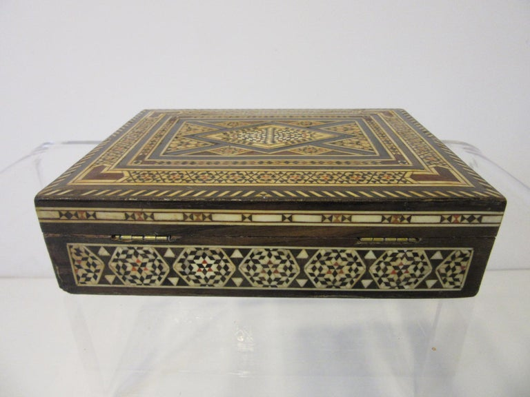Arabian Mosaic Syrian Micro Mosaic Jewelry / Exotic Box In Good Condition For Sale In Cincinnati, OH