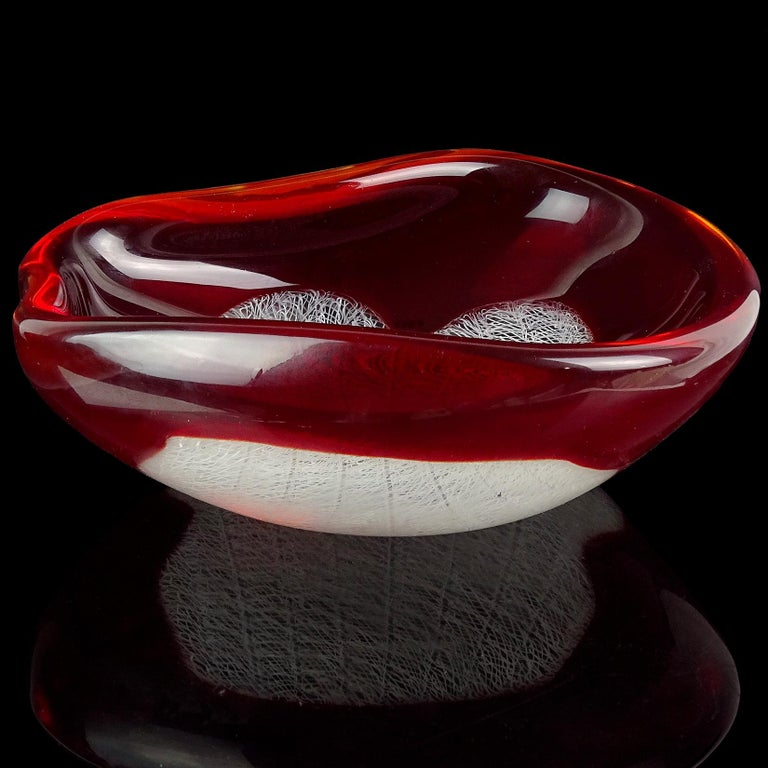 Hand-Crafted Archimede Seguso Murano 1954 Red White Merletto Ribbons Italian Art Glass Bowl For Sale