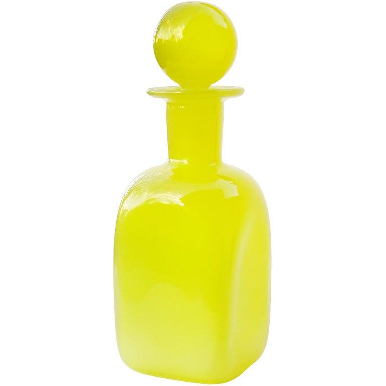 Archimede Seguso Murano, 1950s Opalescent Yellow Italian Art Glass Vanity Bottle For Sale