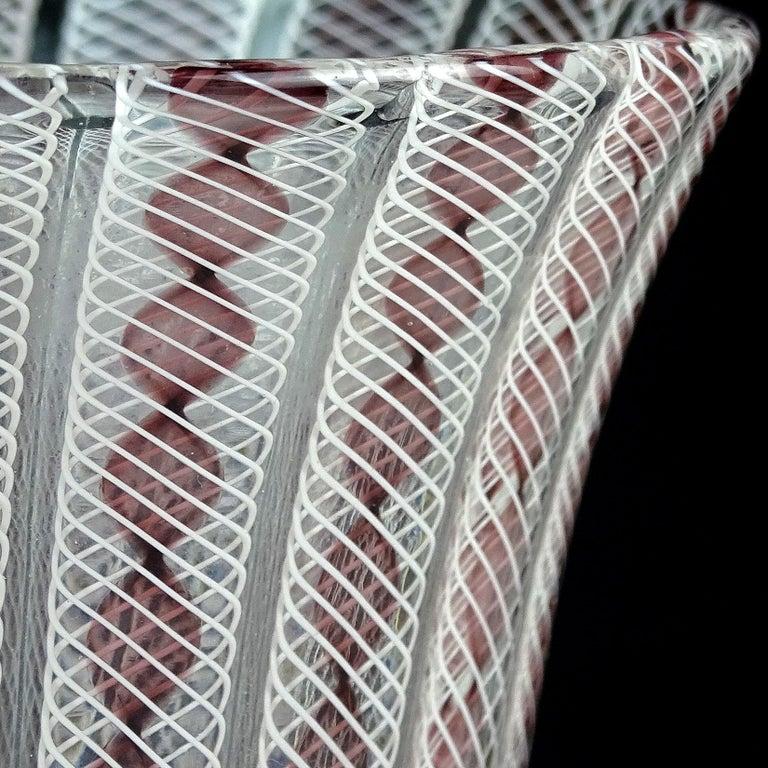 Archimede Seguso Murano Purple White Zanfirico Ribbons Italian Art Glass Vase In Good Condition For Sale In Kissimmee, FL